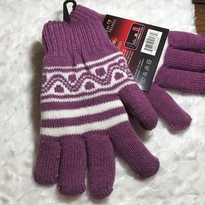 ✅25%off any 3 items. Warm purple gloves NWT.